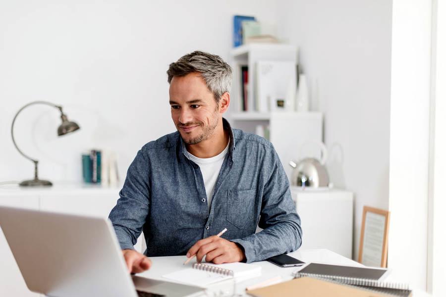 Jak skutecznie pracować w domu?