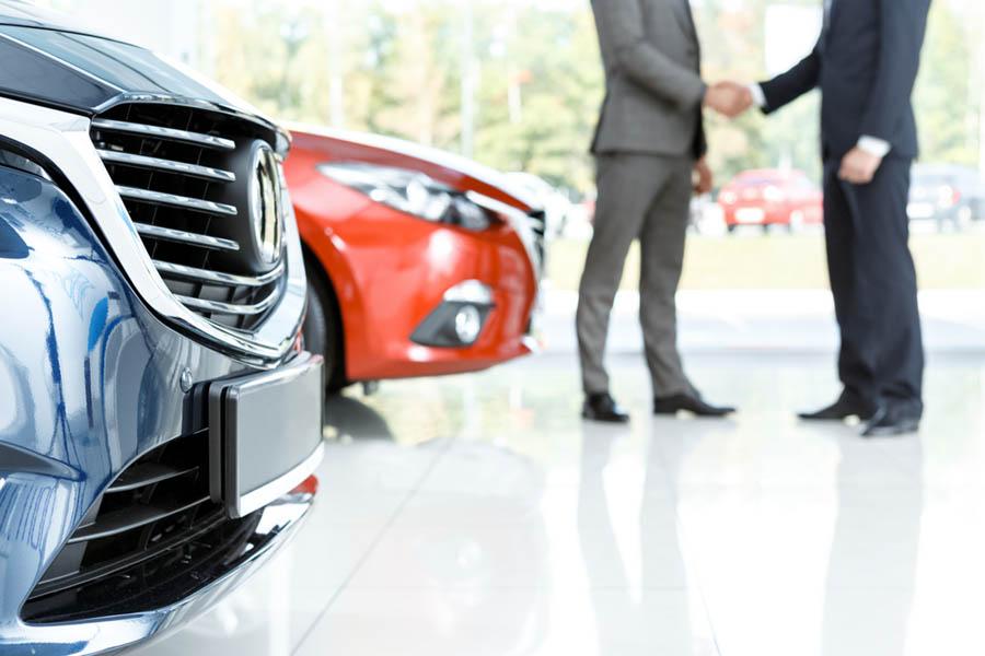 Kupno samochodu na firmę, leasing czy długoterminowy wynajem?